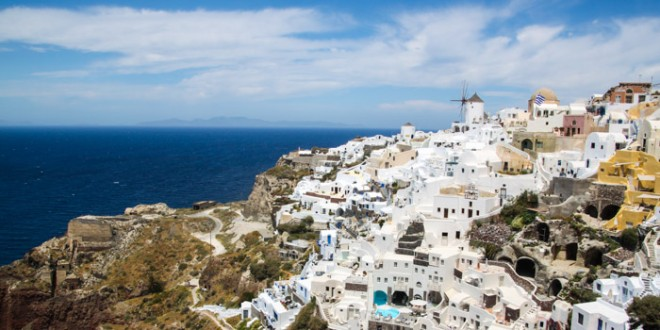 Hiking in Santorini: Fira to Oia