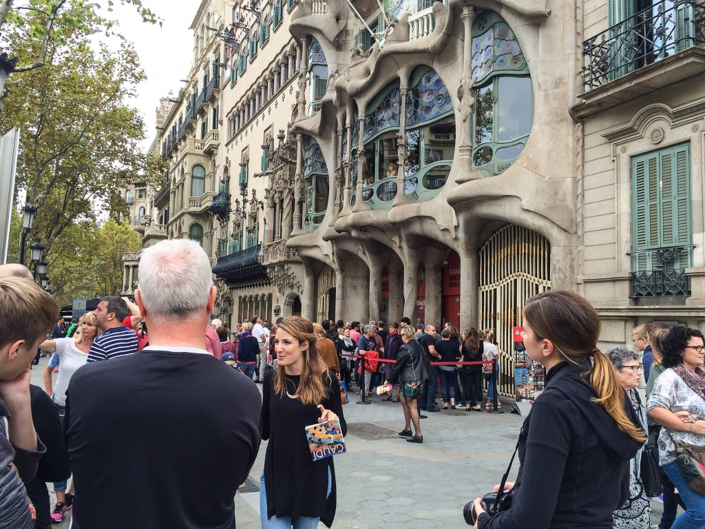 Bike tour in front of Casa Batllo
