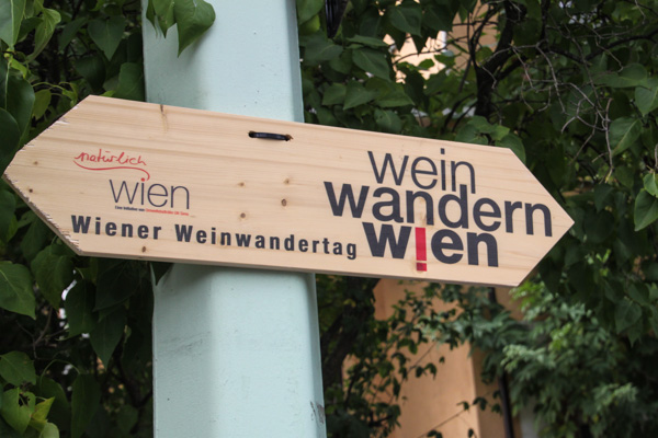 Wein Wander direction signs in Vienna